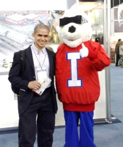 Oscar with the ICEE company mascot in Mexico City (Expo Tecno Alimentos 2014) after being invited by Process Expo (Food Processing Suppliers Association)